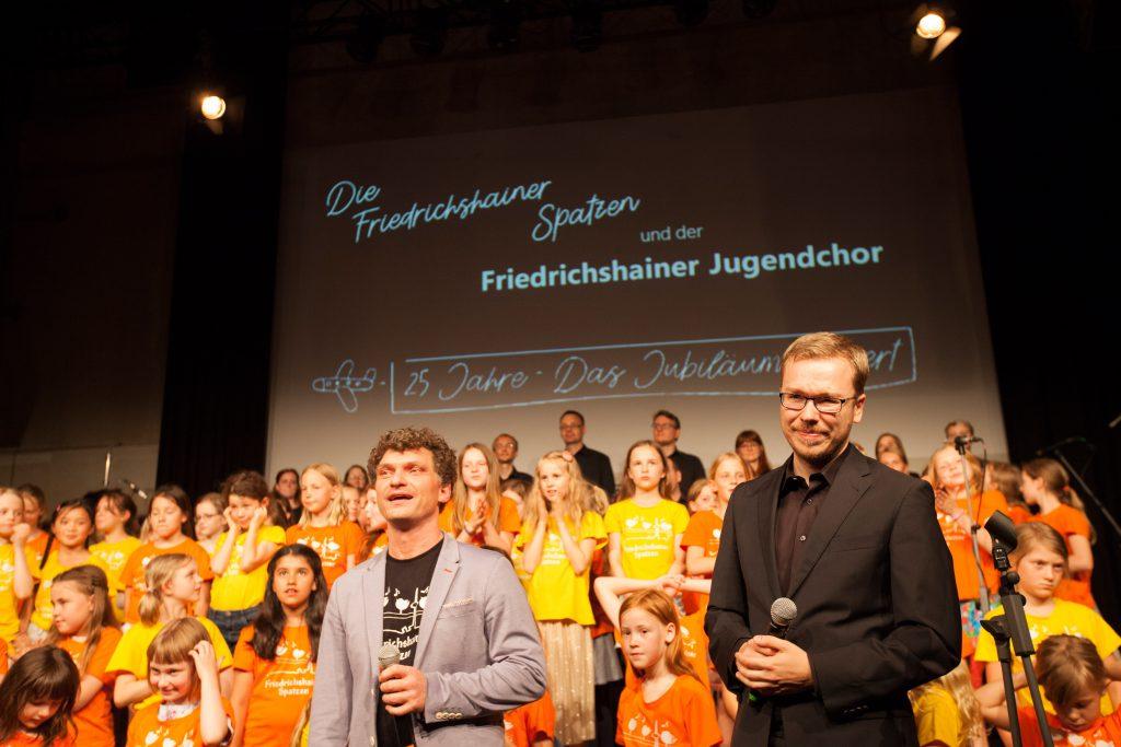 Andreas Schmidt-Hartmann mit Arne Mehl (Chorleiter vom Friedrichshainer Jugendchor)